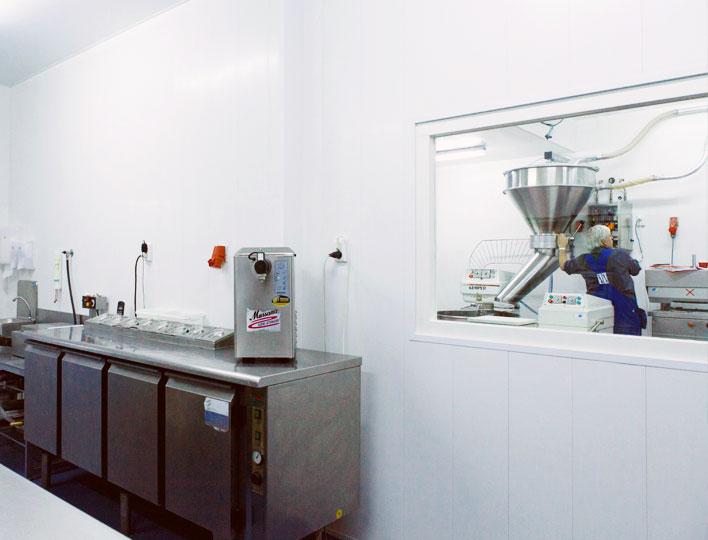 Hygiënische wanden en plafonds voor de voedselindustrie
